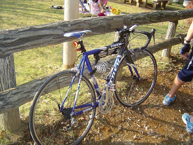 0411サイクルショー三茶自転車置き場JACCラン 005