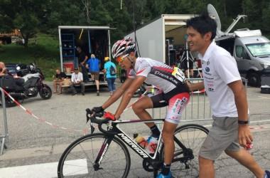 07??????? ラヴニール第8ステージ)総合20位以????????? みを繋いだ雨澤がゴール(photo CyclismeJapon?