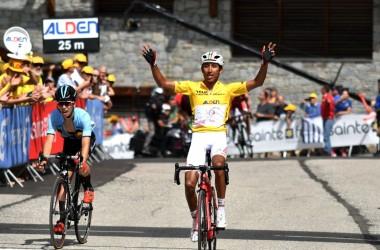 06(ツール・ド・ラヴニール第8ステージ)ステージ2連勝のベルナル(photo Tour de l'Avenir)
