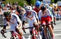 04(ツール・ド・ラヴニール第1ステージ)来季チームスカイへの移籍が噂されるパヴェル・シバコフを含む強力な逃げが終盤まで集団に抵抗(photo Tour de l'Avenir)