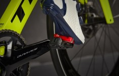 BT20_ Elite_Road_Pedal_DR_SOCIAL_01